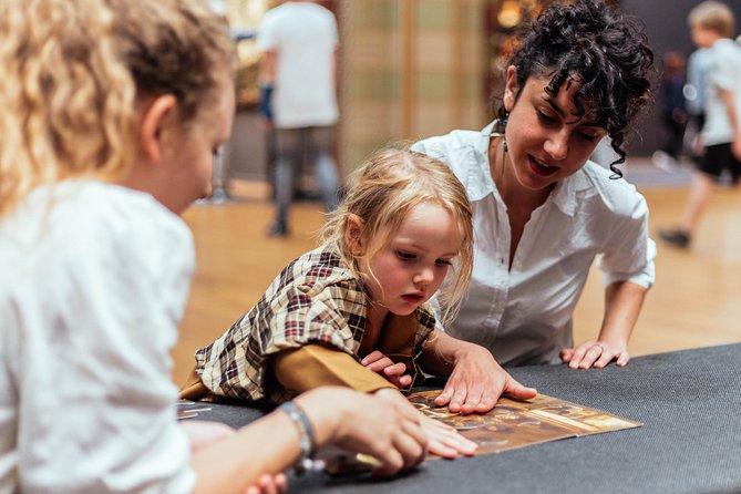 Creative Family Private Tour in Museo del Prado