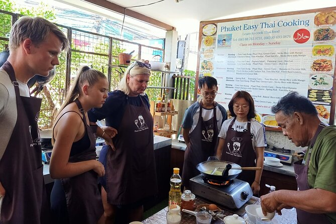 Easy Thai Cooking and Coconut Oil Workshop in Phuket