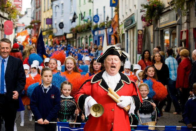 Traditional Town Crier tour. Galway city. Guided. 1½ hours