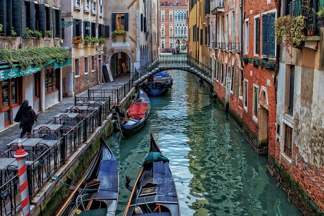 An Architectural insight of Venice on a Private Tour with a local