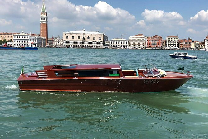 Private Transfer Venice Centre to Venice Airport by Watertaxi