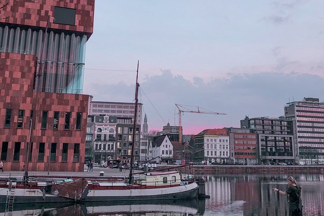 Discover Antwerp in 60 minutes with a Local