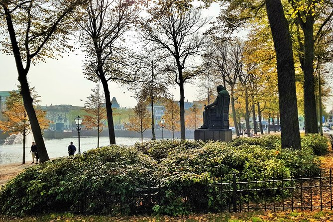 Discover The Hague in 60 Minutes with a Local