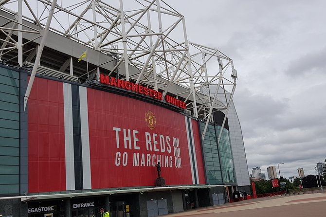 Private Round-Trip Transfer From Manchester Airport to Old Trafford Stadium