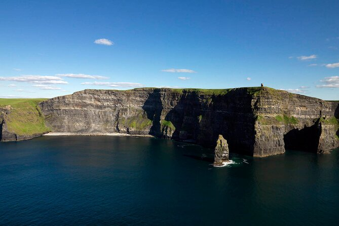 Cliffs of Moher explorer day tour from Galway. Guided.