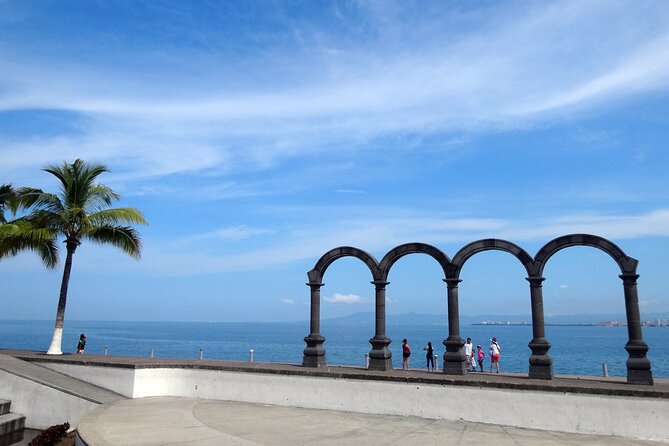 Private Vallarta 360 City Tour with Lunch