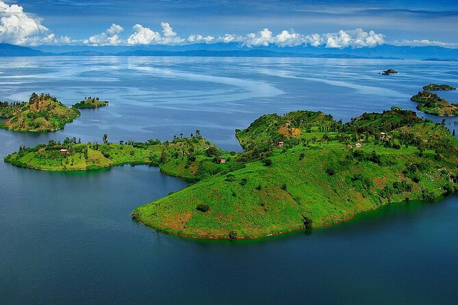 2 hours Scenic Helicopter flight over Kigali, Volcanoes, Twin Lakes & Lake Kivu
