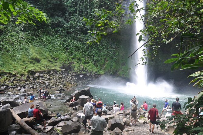 Full-Day Arenal Volcano and Rain Forest Tour from Guanacaste
