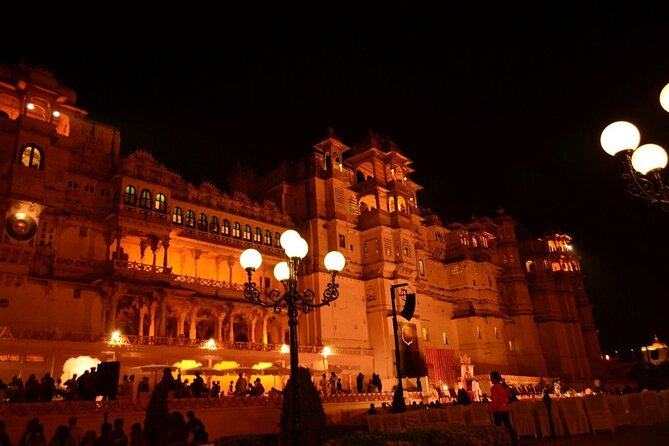 City Palace Museum Evening Session Private Tour in Udaipur