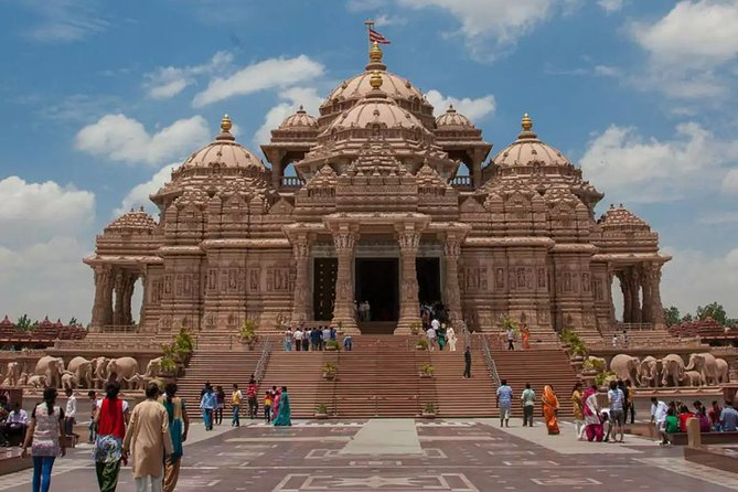Swaminarayan Akshardham Private Walking Tour from New Delhi
