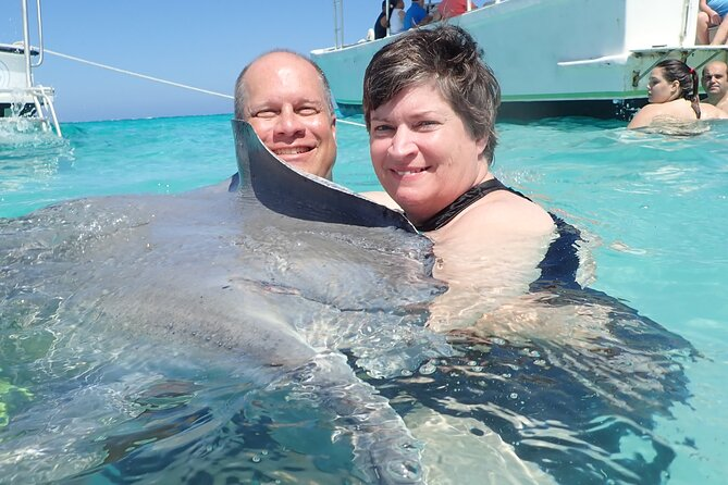 Stingray City Experience from Grand Cayman (2-Stops Adventure)