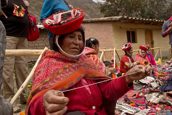 Sacred Valley: Private Full-Day Tour to Ollantaytambo and Huilloc Community