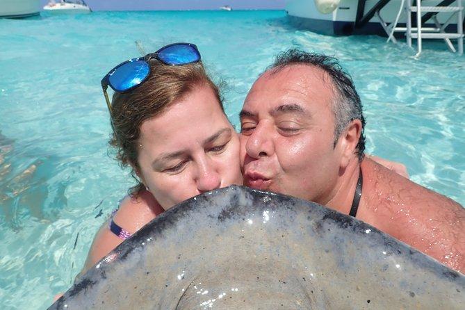 Stingray City and Snorkel Tour ( 2-Stops Adventure)
