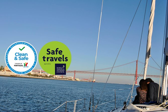 Lisbon Romantic Private 2h Cruise with sparkling wine