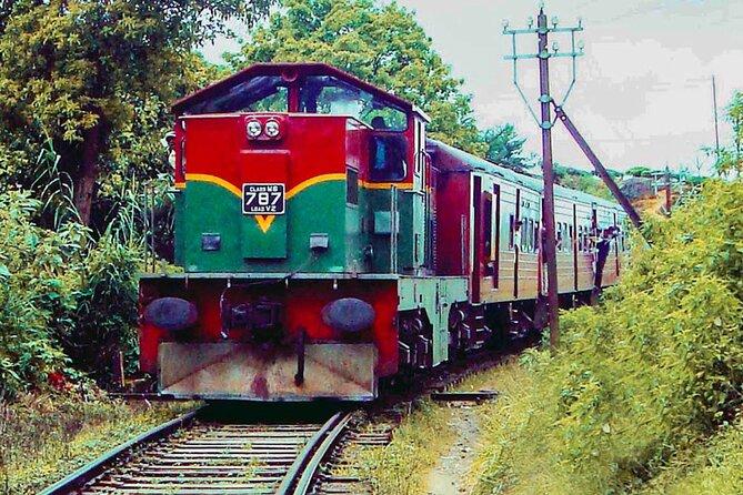 """Nanu Oya to Kandy train ride on (Train No: 1016 """"Udarata Menike"""")"""