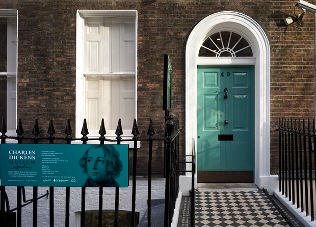 Charles Dickens & London Private Tour: A Victorian Icon