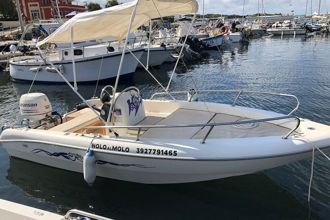 Rent Barca Capelli sun 450 with 40 hp 4 stroke engine - Without driver