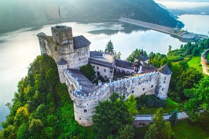 From Krakow: Dunajec River Rafting in Pieniny Mountains