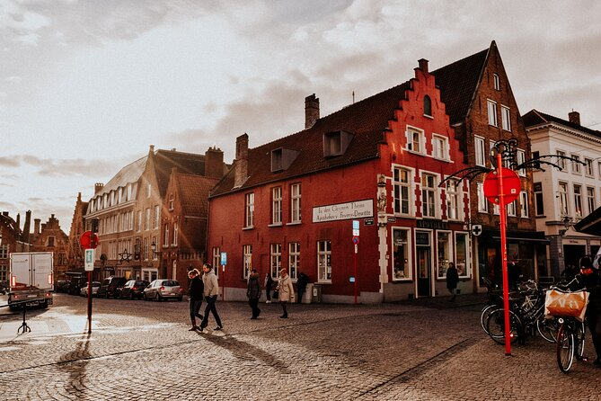 Discover Bruges in 60 minutes with a Local