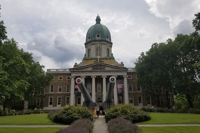 London: WWII Churchill Blitz Walk & Imperial War Museum