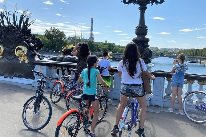 Paris for Newbies - Bike tour for Families & Friends