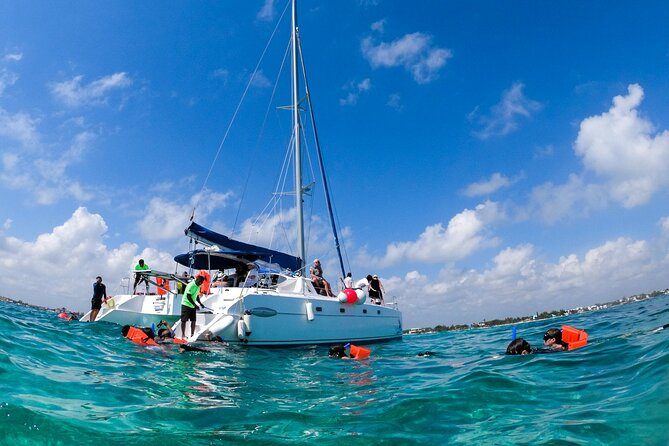 Catamaran & Isla Mujeres-Open Bar Tour