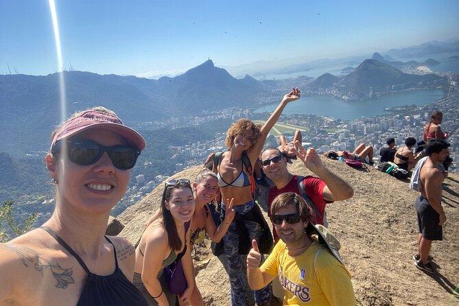 Morro Dois Irmãos Hiking and Favela Vidigal - Private Tour