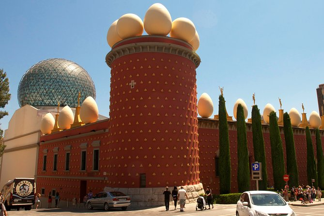 Private Day Trip to Figueres from Barcelona with a local