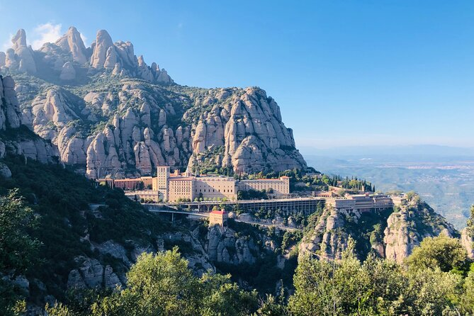 Private Day Trip to Montserrat from Barcelona with a local