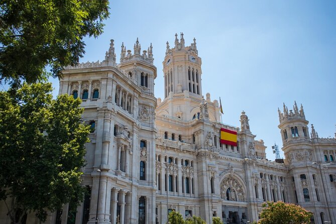 Private tour of the best of Madrid - Sightseeing, Food & Culture with a local