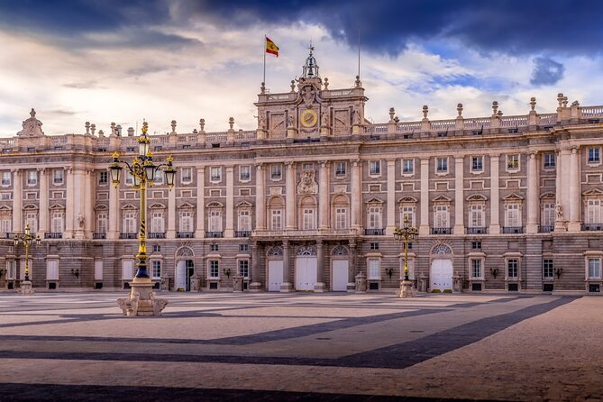 Touristic highlights of Madrid on a Private half day tour with a local