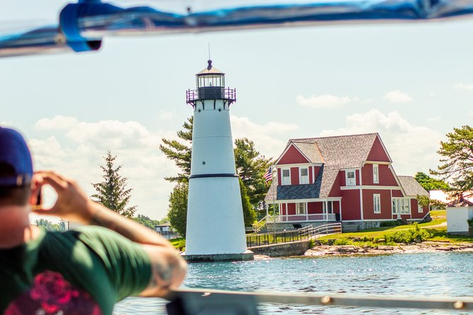 Islands, Lighthouses, and Castle Tour on the St. Lawrence River