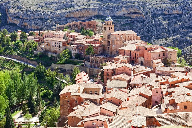 Private Day Trip to Albarracín from Valencia with a local
