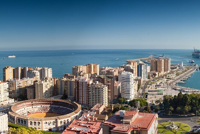 Touristic highlights of Malaga on a Private half day tour with a local