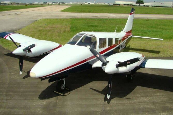 Airplane Transfer between Colombo Airport (CMB) and Katukurunda Airport (KTY)