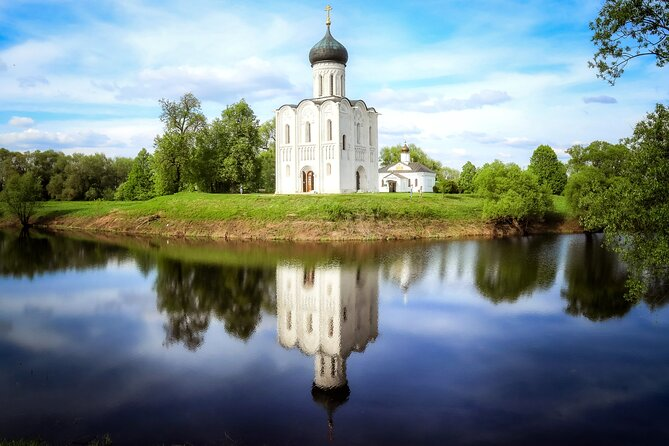 Vladimir and Suzdal: Explore the Golden Ring (Private day tour from Moscow)