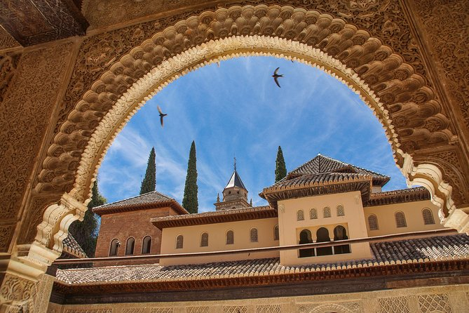 Private tour of Offbeat Granada with a local