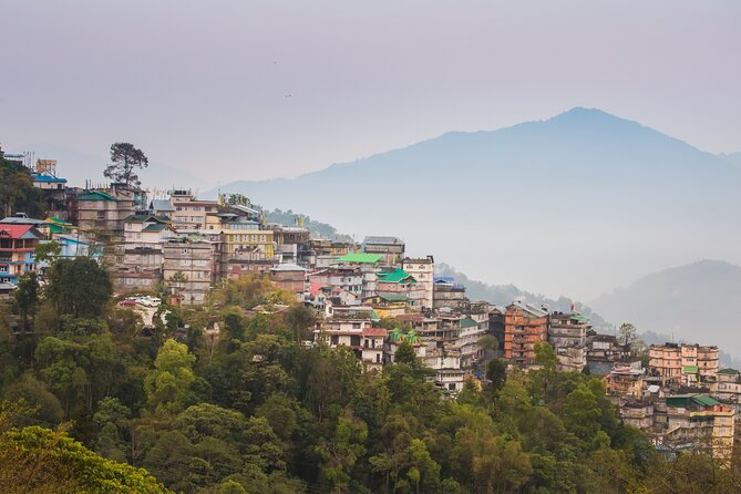 Touristic Highlights of Gangtok (Guided Fullday Sightseeing Tour by Car)