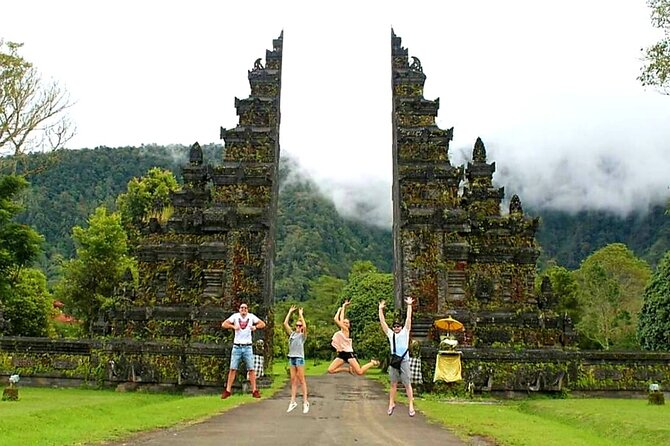 Instagram Tour in Bali : Ulun Danu Bratan and Iconic Bali Handara gate