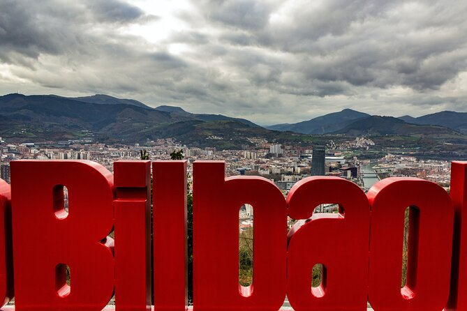 Discover Bilbao in 60 minutes with a Local
