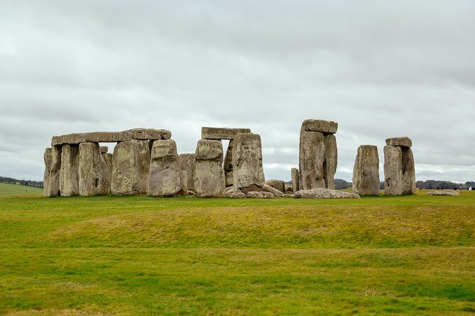 Lonely Planet Experience: Stonehenge, Windsor Castle & Bath Day Trip