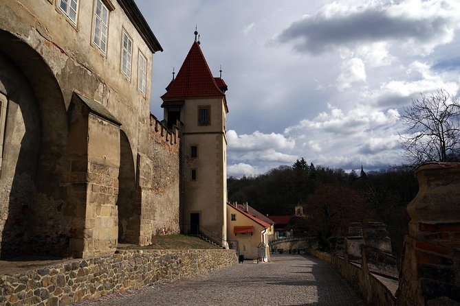 Private Krivoklat castle tour from Prague with Bohemia Glass Factory and Lunch