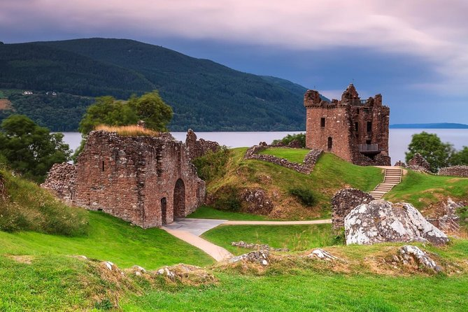 Loch Ness,Culloden Battlefield,Clava Cairns,Cawdor Castle & more from Inverness