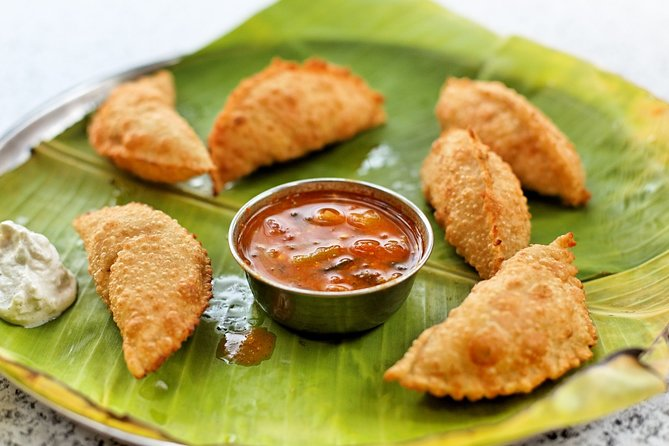 Pelling Food Crawl (2 Hours Guided Local Food Tasting Tour)