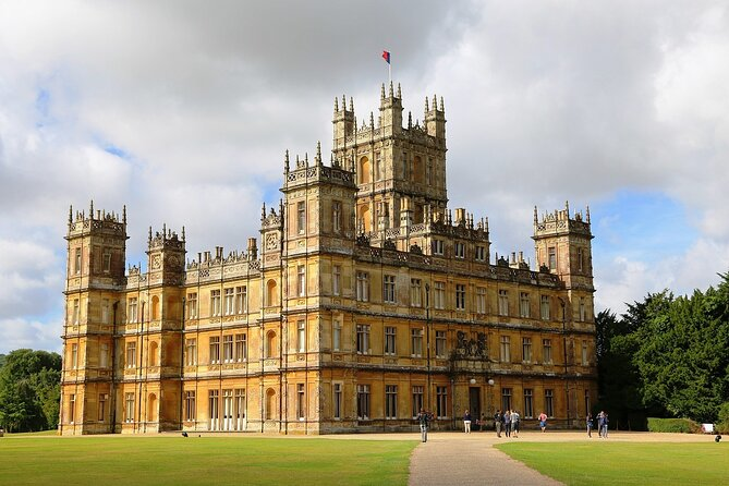 Highclere Castle - Downton Abbey Private Day Tour