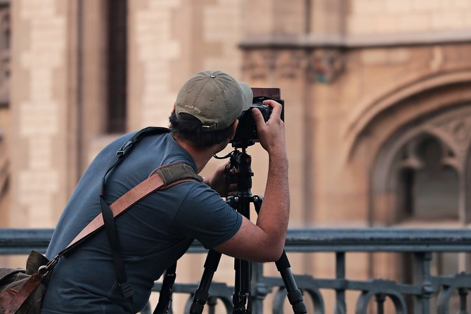 Private Best Photo Spots of Barcelona Old Town Walking Tour