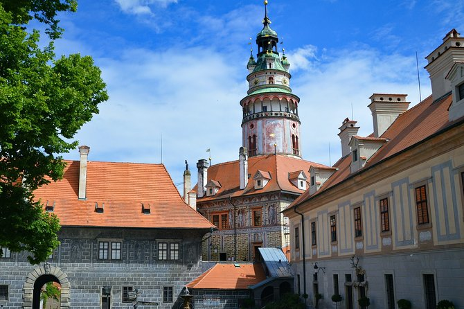Discover Cesky Krumlov in 60 Minutes with a Local
