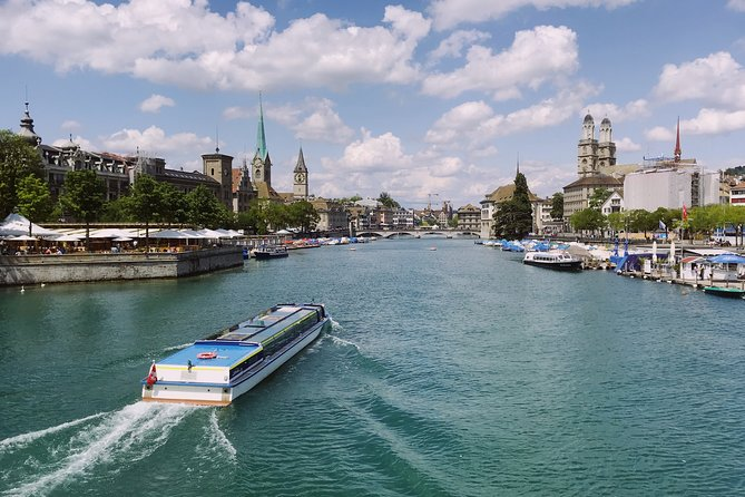 Private tour of the best of Zurich - Sightseeing, Food & Culture with a local