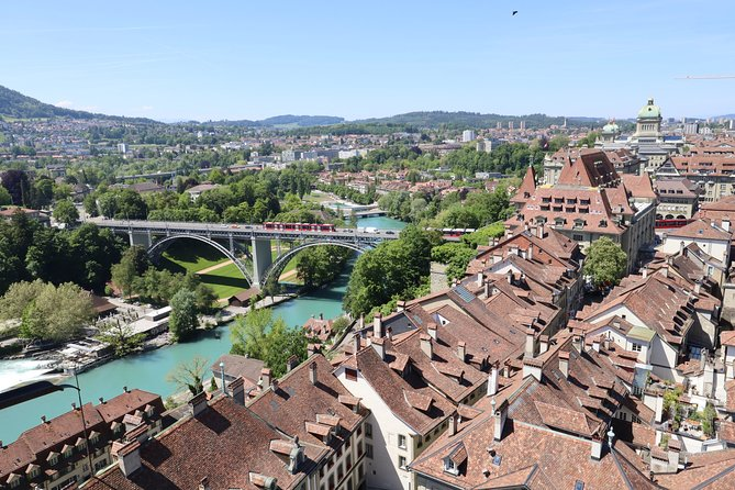 Layover in Bern a Private Tour with a local: Best Highlights of Bern