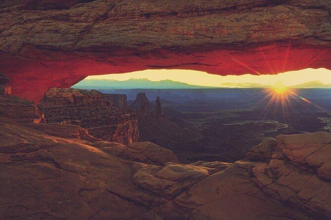 Sunset Scenic Tour of Canyonlands National Park & Dead Horse Pt